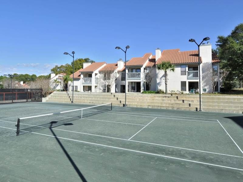 ESCAPE FOR SUMMER with Your Family and RELAX in LUXURY at TOPS'L Tennis Village!