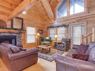 Photo for Destiny's Lodge, 5 Bedrooms, 4 Bathrooms, Hot Tub, Pool Table, Sleeps 17