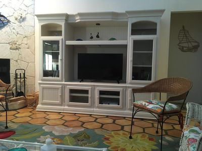 Photo for Beautiful 3 bedroom house at North end of Sanibel Island. Very close to Boman