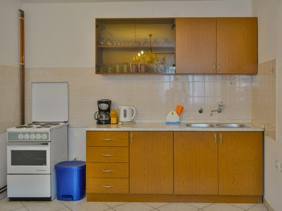 Photo for bedroom: double rooms; double bed; 1 additional bed available; laminated wood flooring