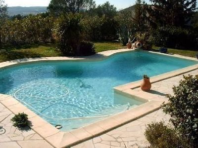 Photo for Charming villa with swimming pool, Avignon, 6 people, large Mediterranean garden