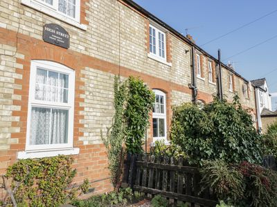 Photo for MAGNOLIA COTTAGE, pet friendly in Honeybourne, Ref 981110