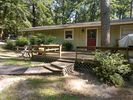 1BR Cottage Vacation Rental in Holly Lake Ranch, Texas