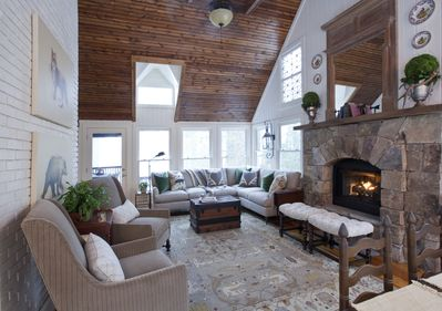 Amazing Featured In Cottage Journal Magazine Private Dock 3 Bedrooms 5 Min To Main St Lake Sequoyah Download Free Architecture Designs Pushbritishbridgeorg