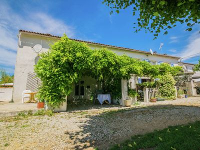 Photo for Gîte with heated shared swimming pool. Ideal for families with young children !