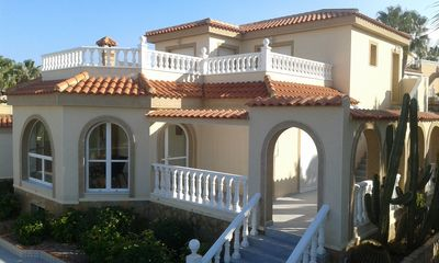 Photo for Standing villa with sea views 10MX4M private pool and bar at Gran Alacant.