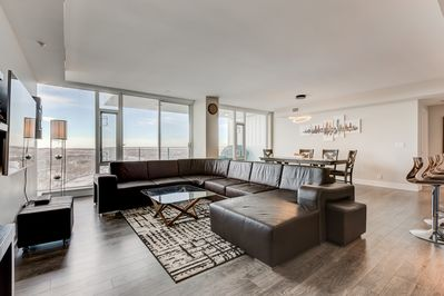 Outstanding Luxury Downtown Sub Penthouse Condo On Riverfront Near Stampede 1320 Sq Ft East Village Download Free Architecture Designs Scobabritishbridgeorg