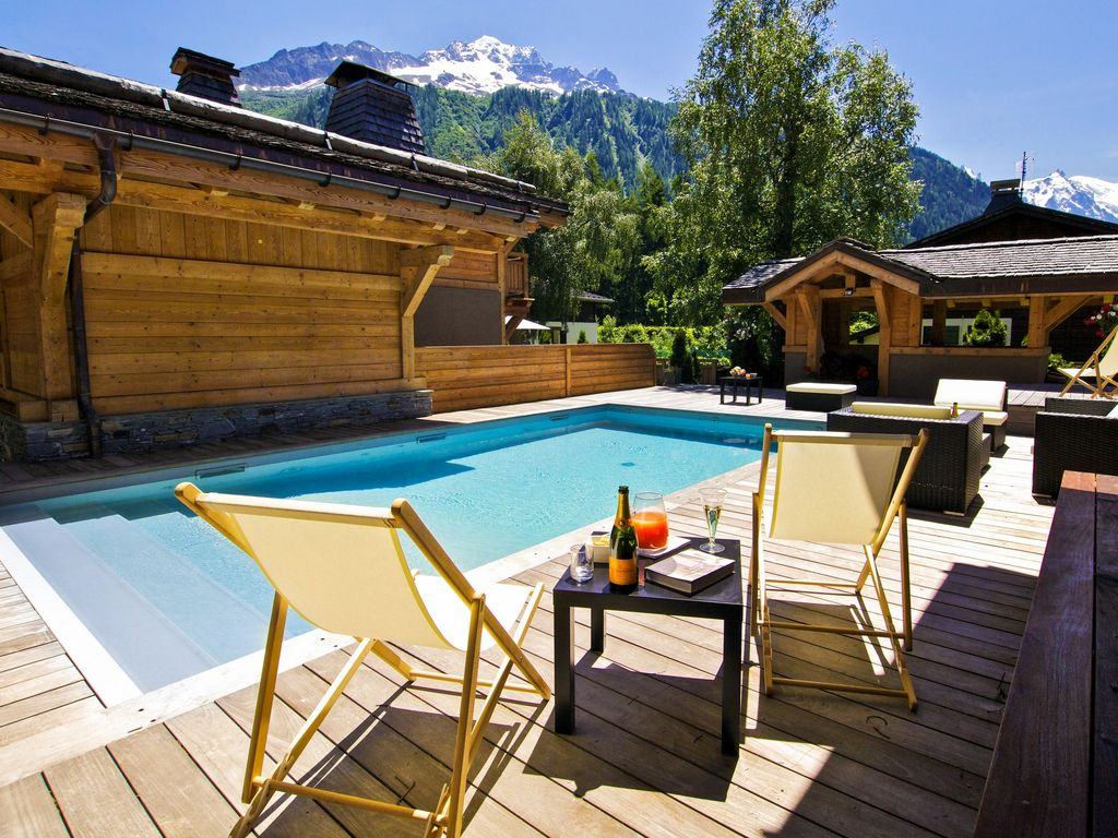 chalet 5 luxe chamonix 10 chambres avec spa piscine jacuzzi terrasse vue argenti re. Black Bedroom Furniture Sets. Home Design Ideas