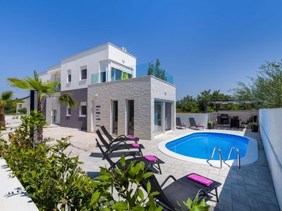 Photo for Villa Rossa with pool for 8 persons
