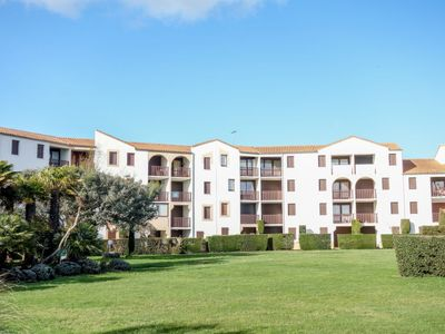Photo for One bedroom Apartment, sleeps 4 in Vaux-sur-Mer with WiFi
