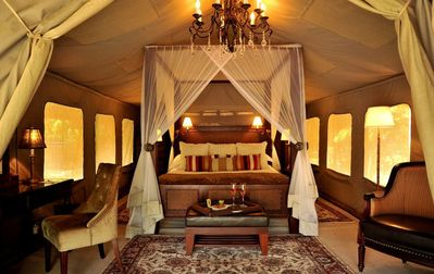 Selous Serena Camp - In a national park