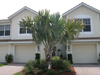 Photo for Colonial Country Club, GATED private Golf Community - Beautiful Water View