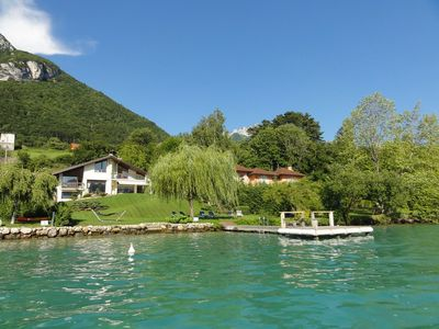 Photo for Exceptional 5-star villa on Lake Annecy for 10 people