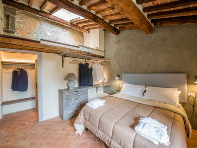 Photo for City / Village Apartment in Cortona with 2 bedrooms sleeps 6