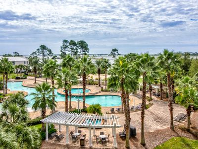 Photo for Charming, spacious resort condo w/ shared hot tub & community pool!