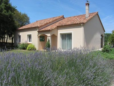Photo for Gite Pradines, 3 bedrooms, 7 persons