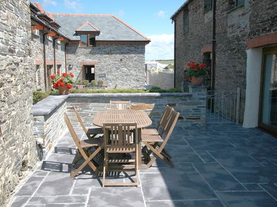 Photo for Beautiful dog friendly barn conversion for 6 near a sandy beach and Padstow