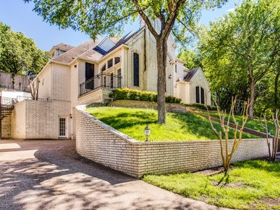 Photo for Beautiful Luxury Home in Arlington