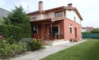 Lovely casa - very well equipped and very comfortable.