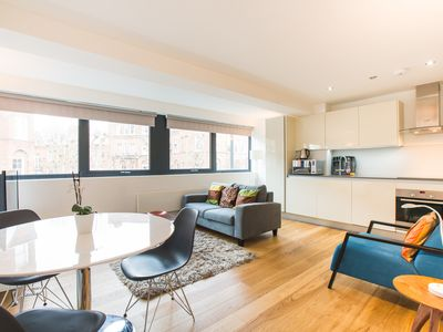 Photo for Amazing One Bedroom Apartment in Kensington