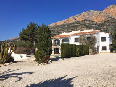 Photo for Beautiful 3 bedroom apartment with pool and mountain views