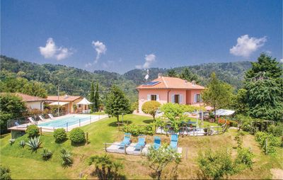 Photo for 5 bedroom accommodation in Pescia -PT-