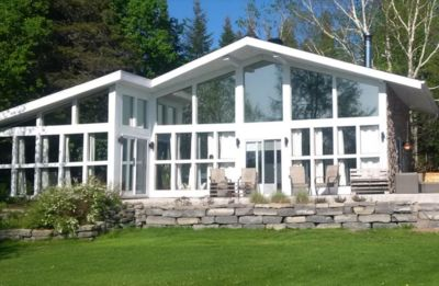 Photo for A magnificent chalet on the shores of Lac-Kénogami