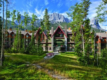 Three Sisters Mountain Village, Canmore, AB, Canada