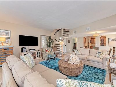 Beachy Condo Gulf Front Resort with Heated Pool & Tennis