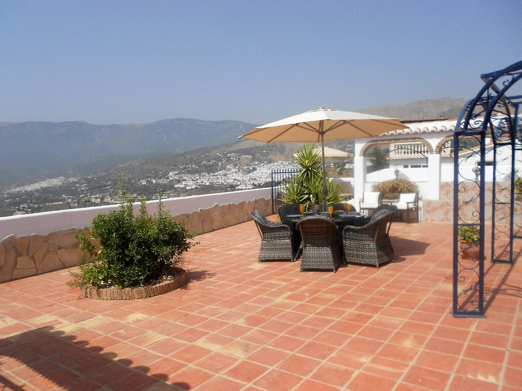 A Beautiful Villa In Competa With Pool And Stunning Views Sleeps Up To 8 Cómpeta