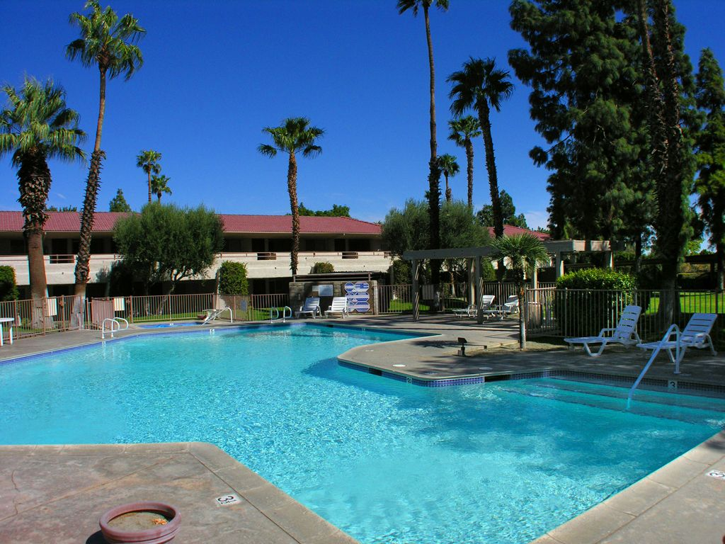 Comfortable Ground Level Palm Springs Villas 1 Condo Near
