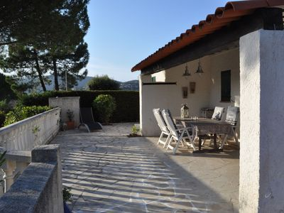 Photo for Detached holiday home with communal pool in quiet residential area