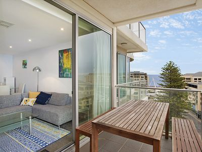 Photo for Beachside luxury & comfort, ocean views in Glenelg