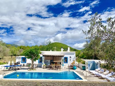 Photo for 'One picture of this villa with pool is better than 100 words