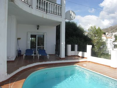 Photo for Pretty villa with private pool, 2 bedrooms