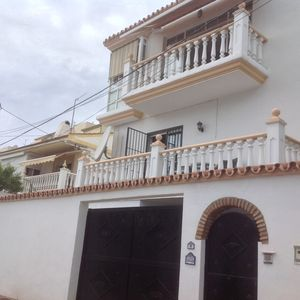 Photo for 5 bedroom detached villa with private pool & garage, near beach & train station