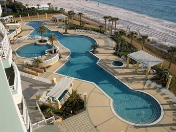 En Soleil Luxury Condo- 2800 sq ft. with Huge balcony/summer kitchen with grill!