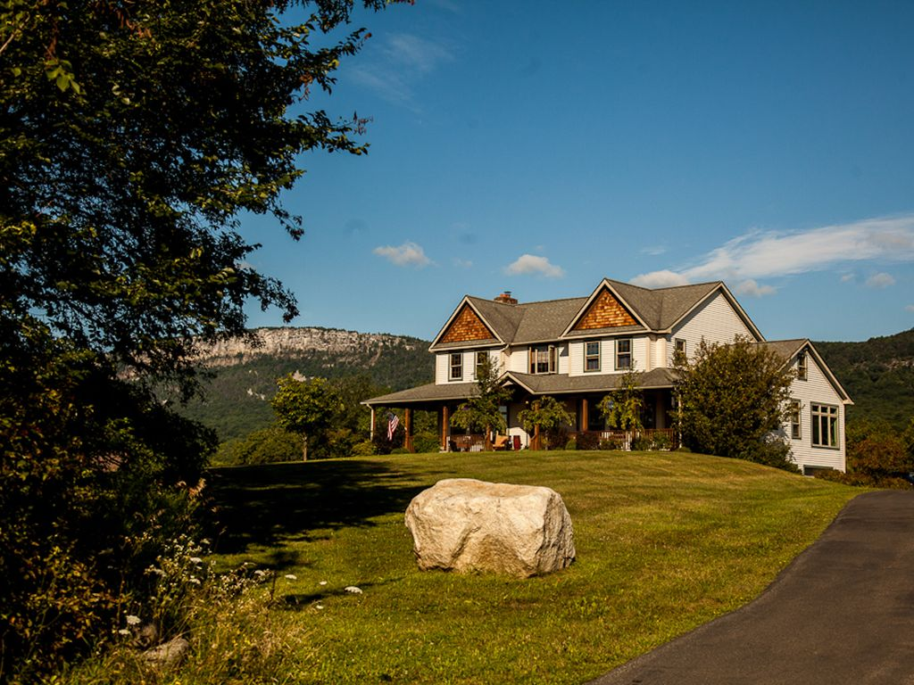 Country escape with panoramic views of the ... - VRBO