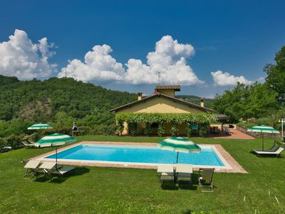 Photo for Beautiful kept apartment on large property amidst the beautiful Chianti