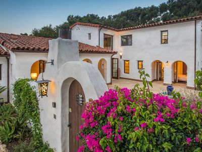 Flores de Montecito - Tranquility in the Heart of Montecito