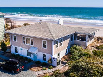 Photo for BEACH DOCS: 4 BR / 4 BA oceanfront in Topsail Beach, Sleeps 8