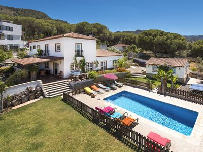 Photo for Stunning Andalusian villa with heated pool and garden 20 minutes from the beach