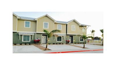 Photo for Welcome to your home away from home! Schlitterbahn just steps away.Beach near by