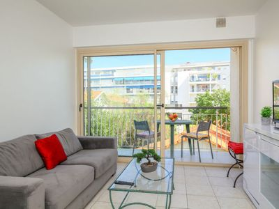 Photo for Apartment Santa Cruz in Cannes - 4 persons, 1 bedrooms