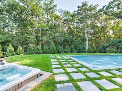 Photo for Book Sag Harbor Getaway-Fall Weekends-Harvest/Wineries-Hot Tub Open All Year!