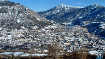 Photo for Apartment overlooking the valley of Serre Chevalier Briançon