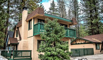 Photo for Country house in Big Bear Lake with Parking, Internet, Washing machine, Balcony (983528)