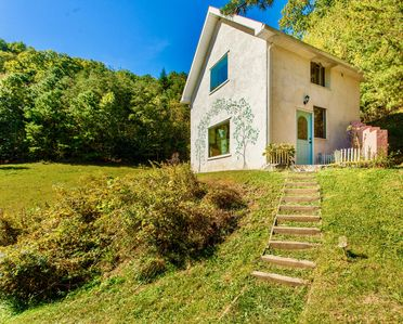 Your gorgeous private cottage in the Asheville area in breathtaking countryside.