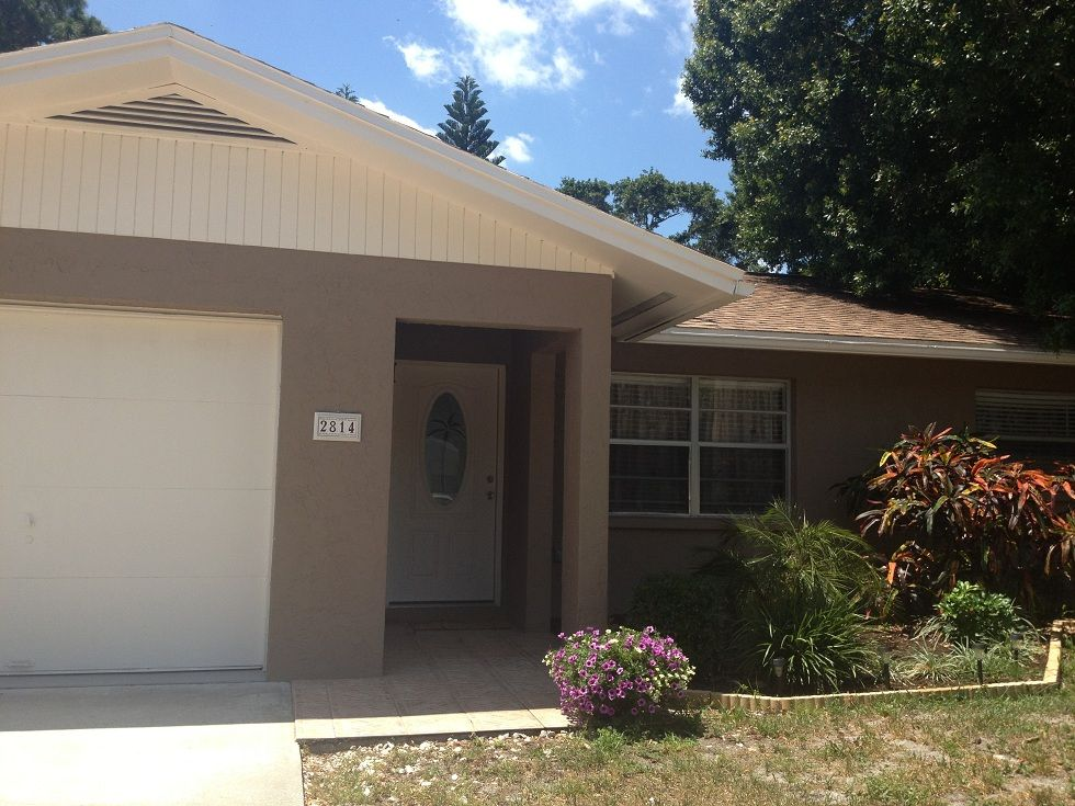 Beautiful Totally New Home With Pool, Brand New Furniture, Patio, Outside BBQ