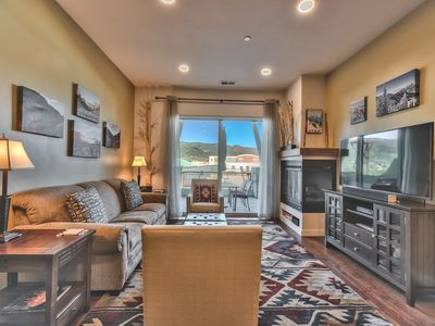 Photo for Epic Savings NOW! Bright and Airy Mountain Townhome. Walk to Shops, Dining, Trails + Hot Tub